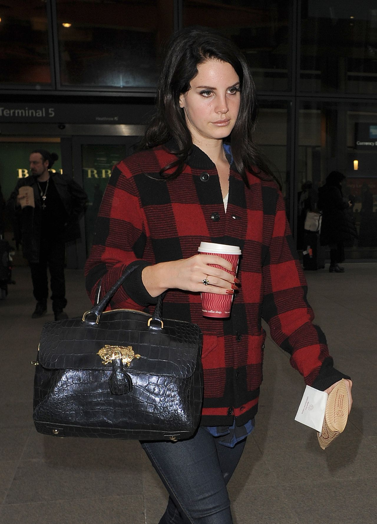 Lana Del Rey - Arriving at Heathrow Airport in London 1/5 ...