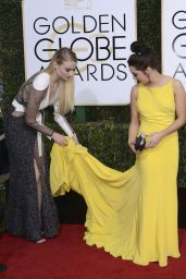 Maisie WIlliams – Golden Globe Awards in Beverly Hills 01/08/ 2017