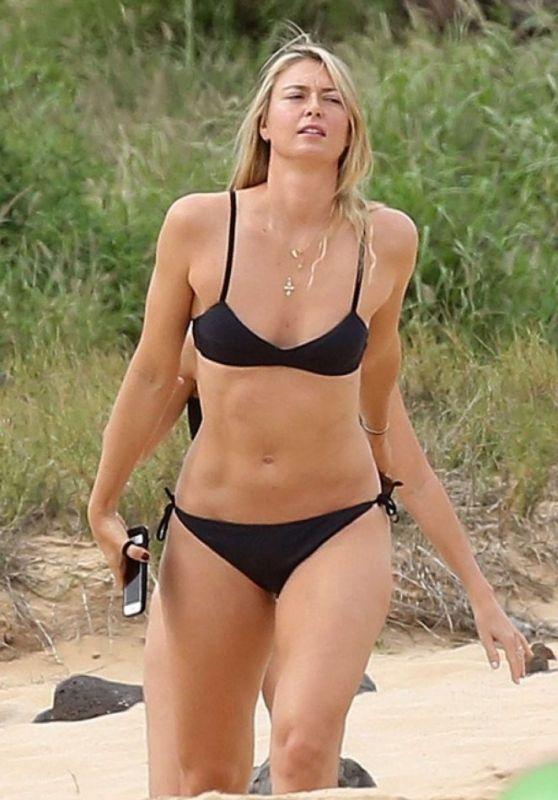 Maria Sharapova in Bikini - Hawaii 01/03/ 2017