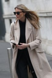 Martha Hunt Street Fashion - Out in Milan 1/12/ 2017