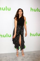 Michaela Watkins – HULU TCA Winter 2017 Photo Call in Pasadena