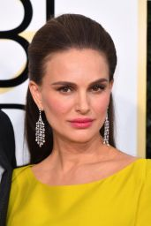 Natalie Portman – Golden Globe Awards in Beverly Hills 01/08/ 2017