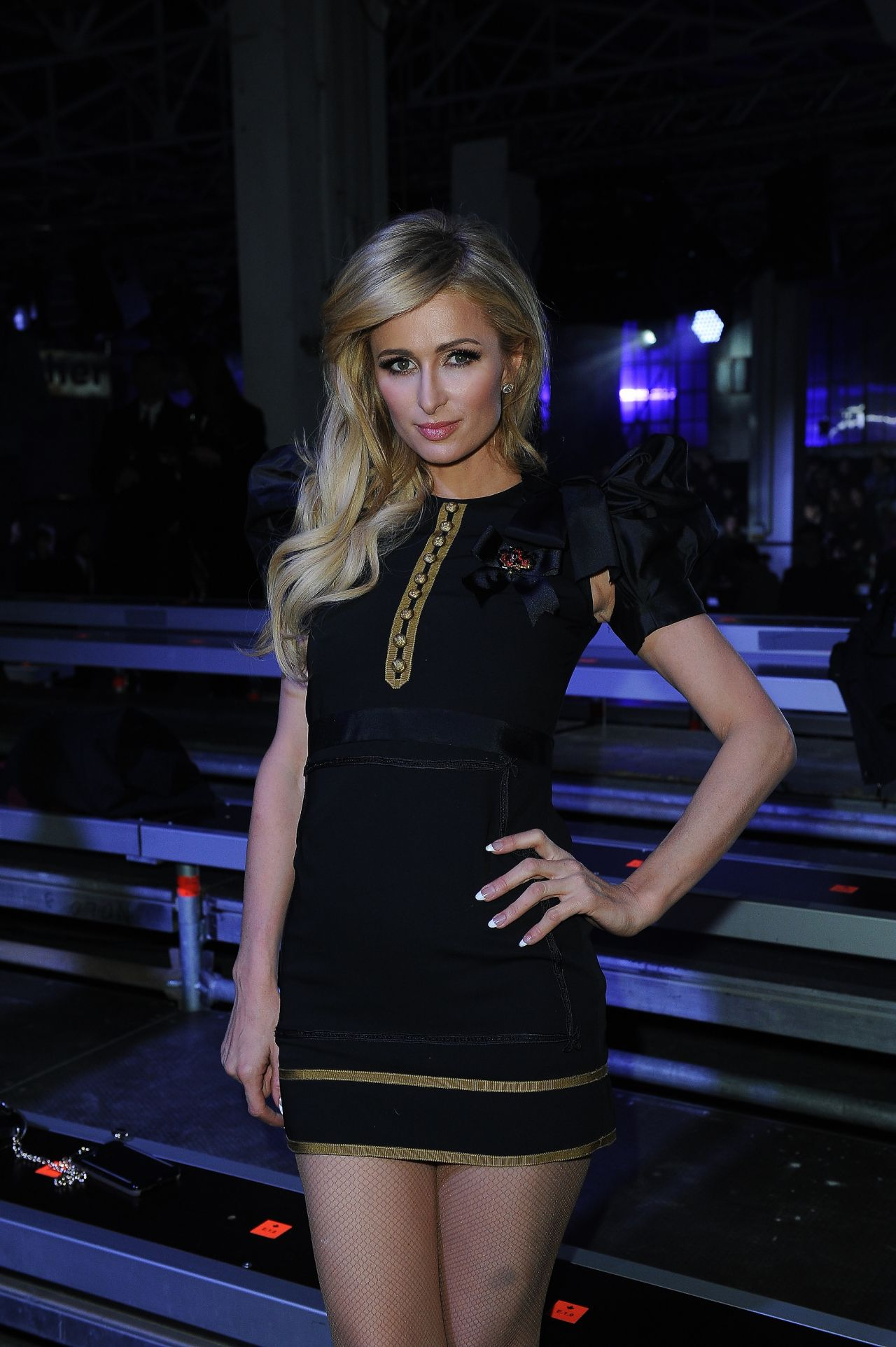 paris hilton at the dsquared2 show milan men 39 s fashion week fall winter 2017 18 1 15 2017. Black Bedroom Furniture Sets. Home Design Ideas