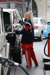 Pia Mia Perez - Getting Gas in West Hollywood 1/3/ 2017