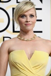 Reese Witherspoon – Golden Globe Awards in Beverly Hills 01/08/ 2017