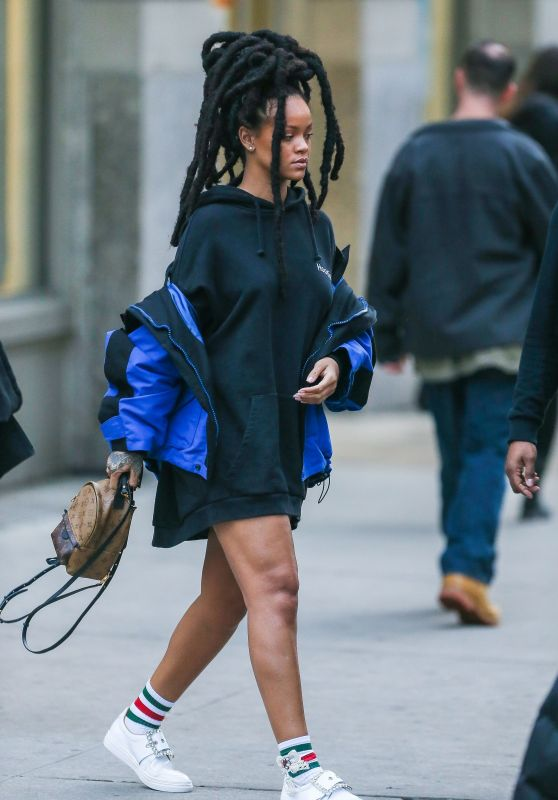 Rihanna - Out in New York 01/12/ 2017