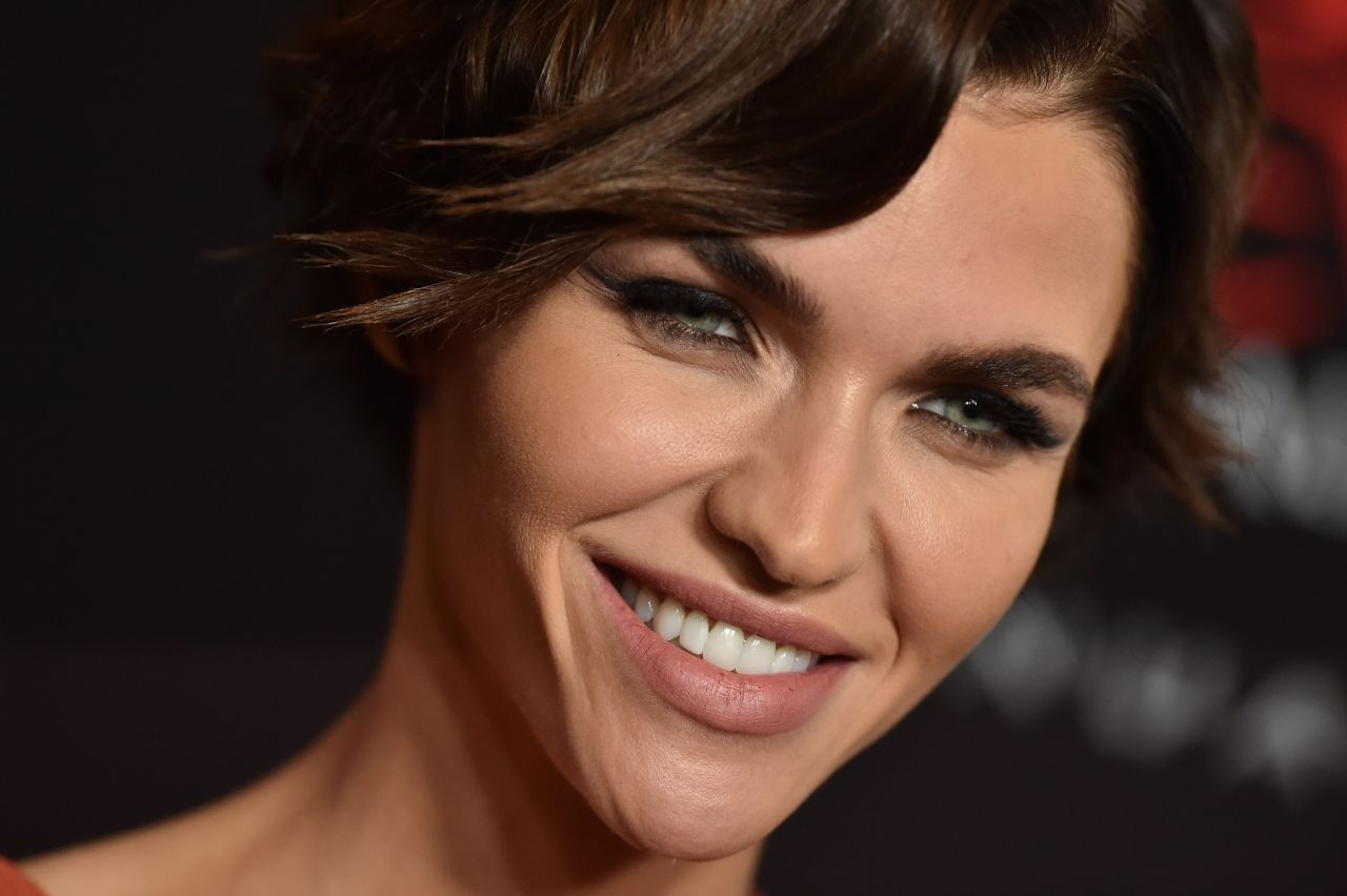 Resident Evil: The Final Chapter Premiere In