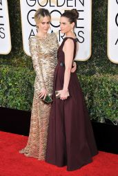 Sarah Paulson & Amanda Peet – Golden Globe Awards in Beverly Hills 01/08/ 2017