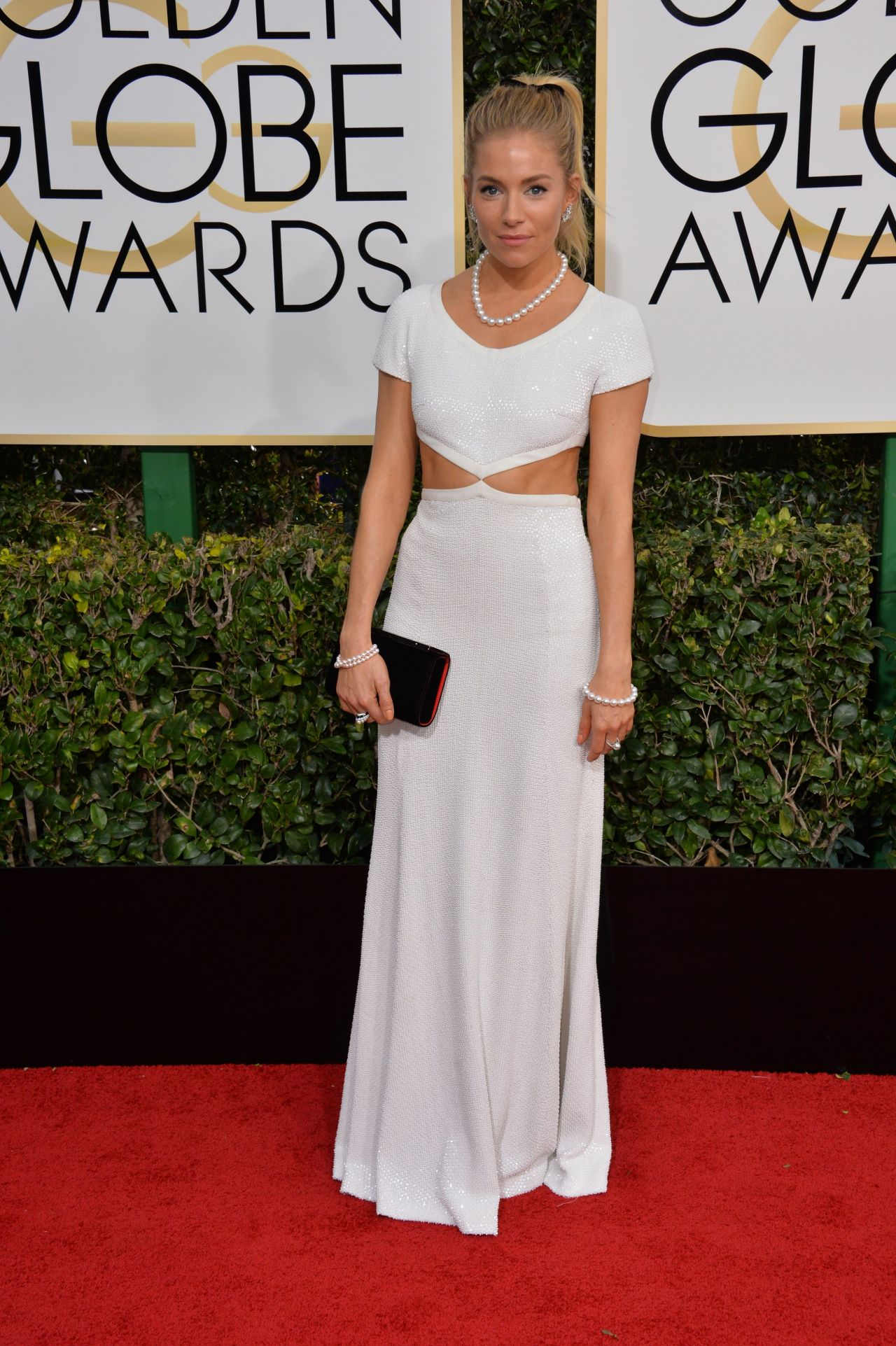 Sienna Miller – Golden Globe Awards in Beverly Hills 01/08/ 2017