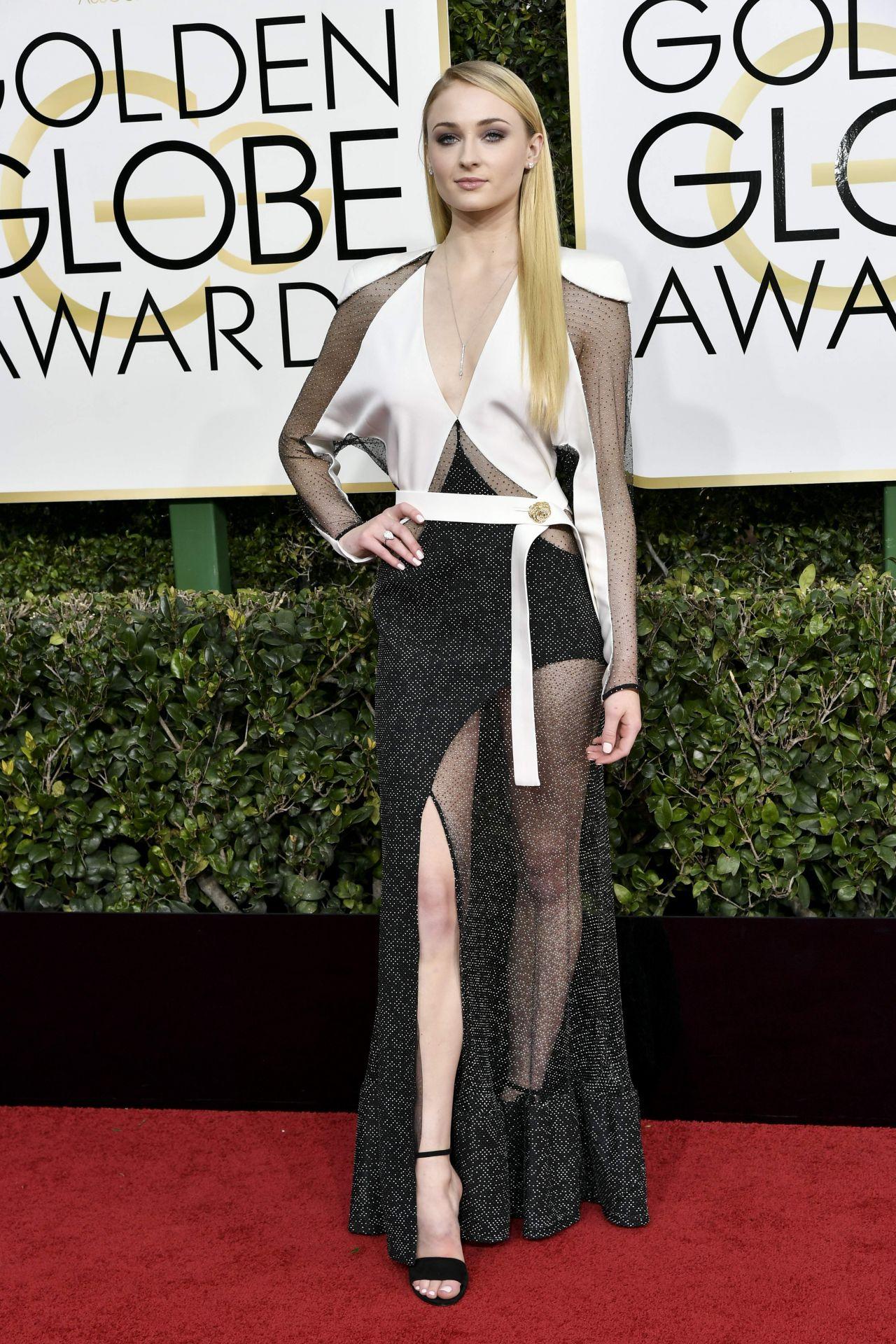 Sophie Turner Golden Globe Awards In Beverly Hills 01 08
