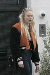 Sophie Turner in Tight Jeans - Leaving Alfred Coffee in LA 1/18/ 2017