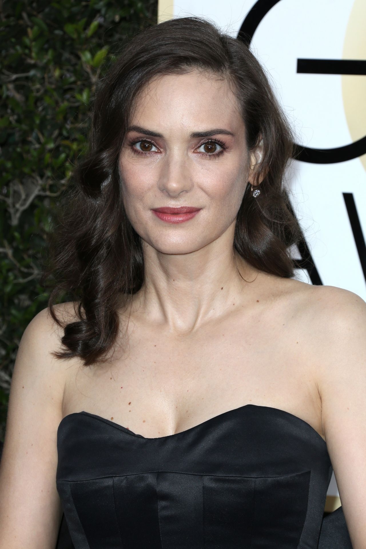 winona ryder golden globe awards in beverly hills 01 08 2017 1 Do You Remember Stacy Sheridan From TJ Hooker? Check Her Out Now!