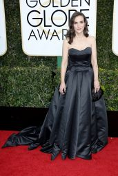 Winona Ryder – Golden Globe Awards in Beverly Hills 01/08/ 2017