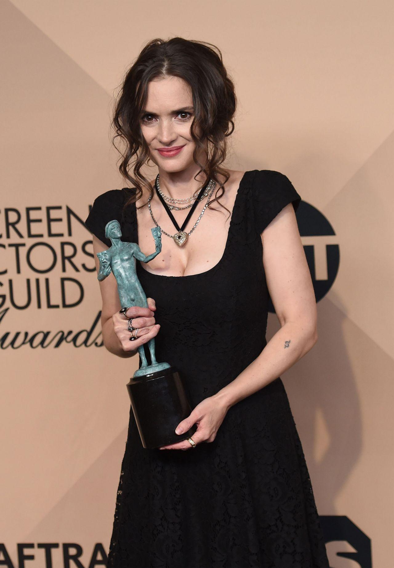 Winona Ryder – SAG Awards in Los Angeles 1/29/ 2017