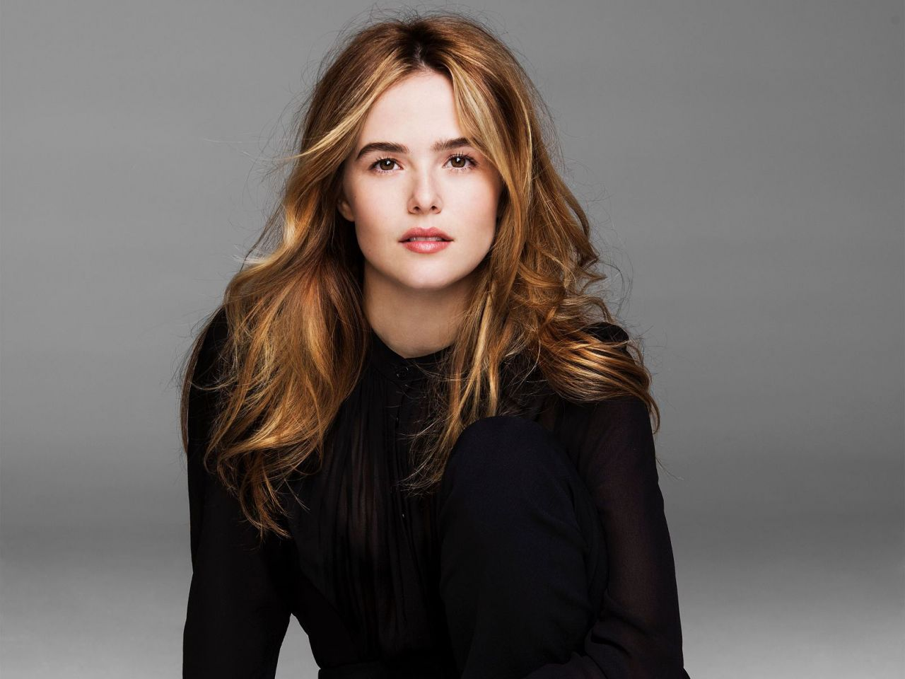 Getting Ready for the Golden Globes with Zoey Deutch