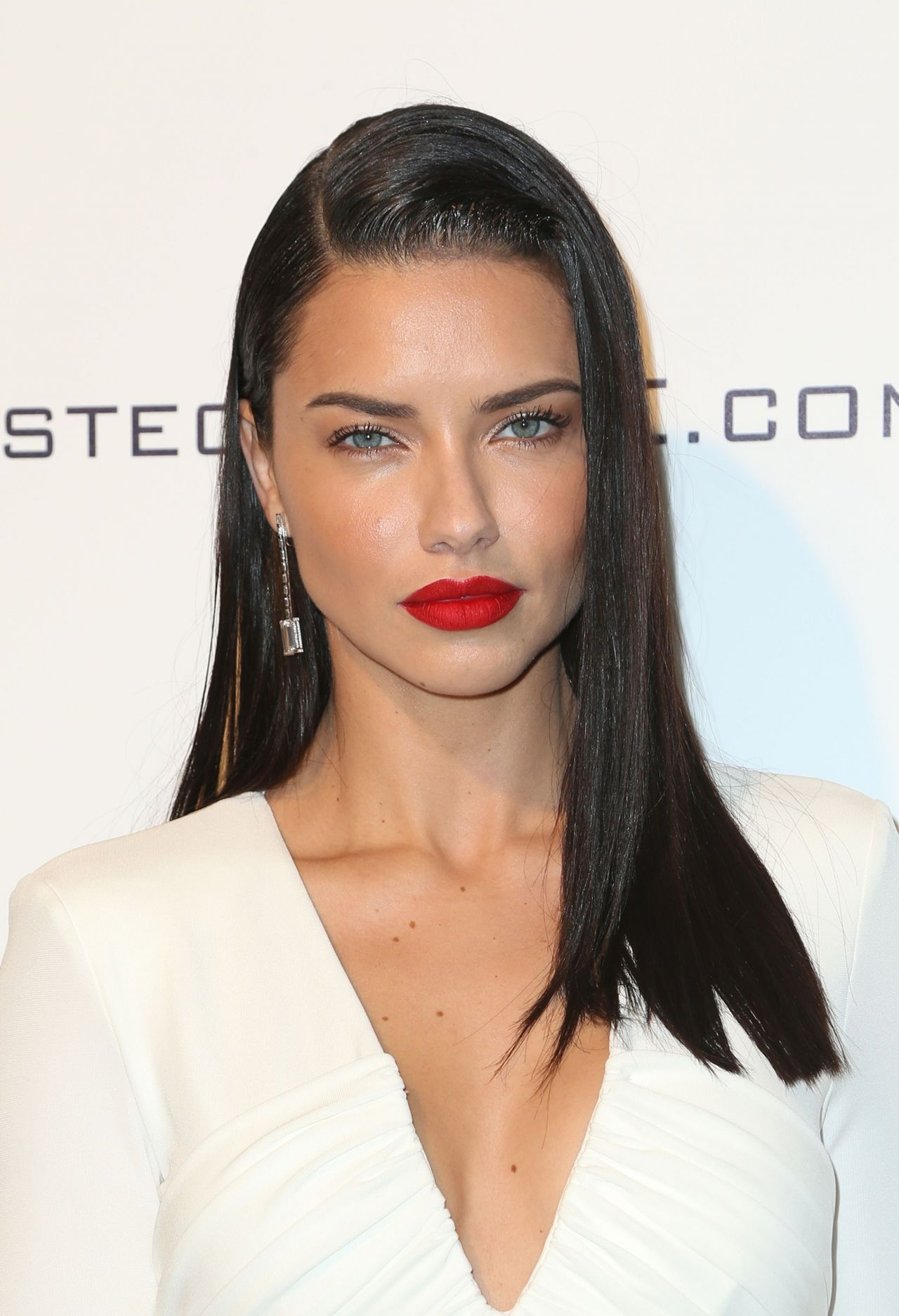 Adriana Lima Elton John Aids Foundation S Academy Awards