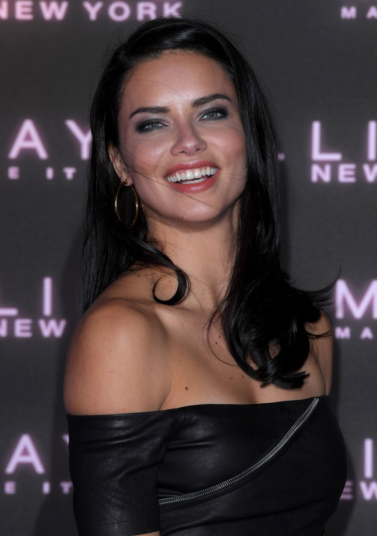 All About Hollywood Stars: Adriana Lima Biography Pictures