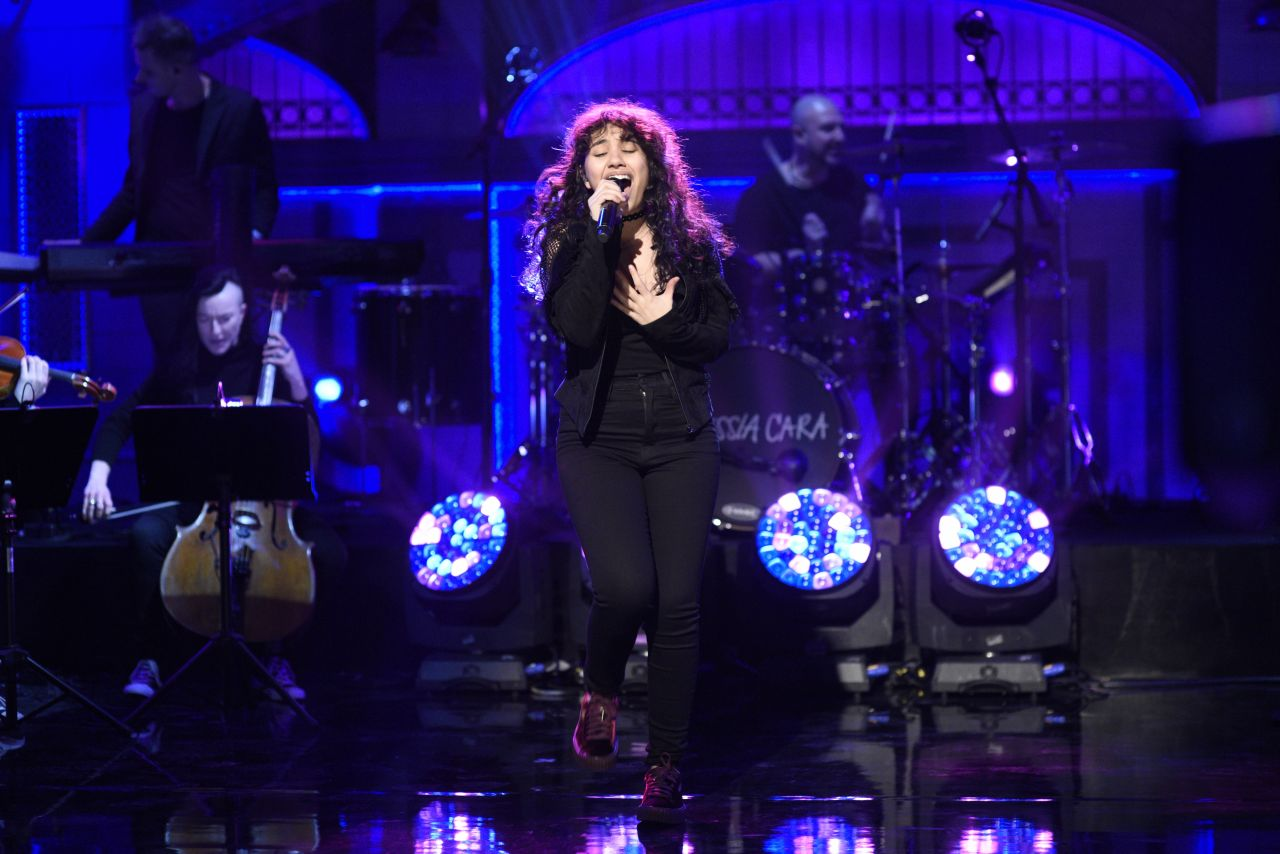 Alessia Cara - Saturday Night Live Season 42 Episode 13, February 2017