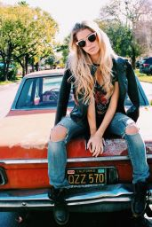 Allie DeBerry Photos – Social Media February 2017