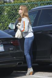 Amy Adams Booty in Jeans - Shopping in Los Angeles 2/25/ 2017