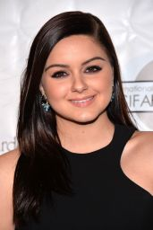 Ariel Winter - Annie Awards in Los Angeles 2/5/ 2017