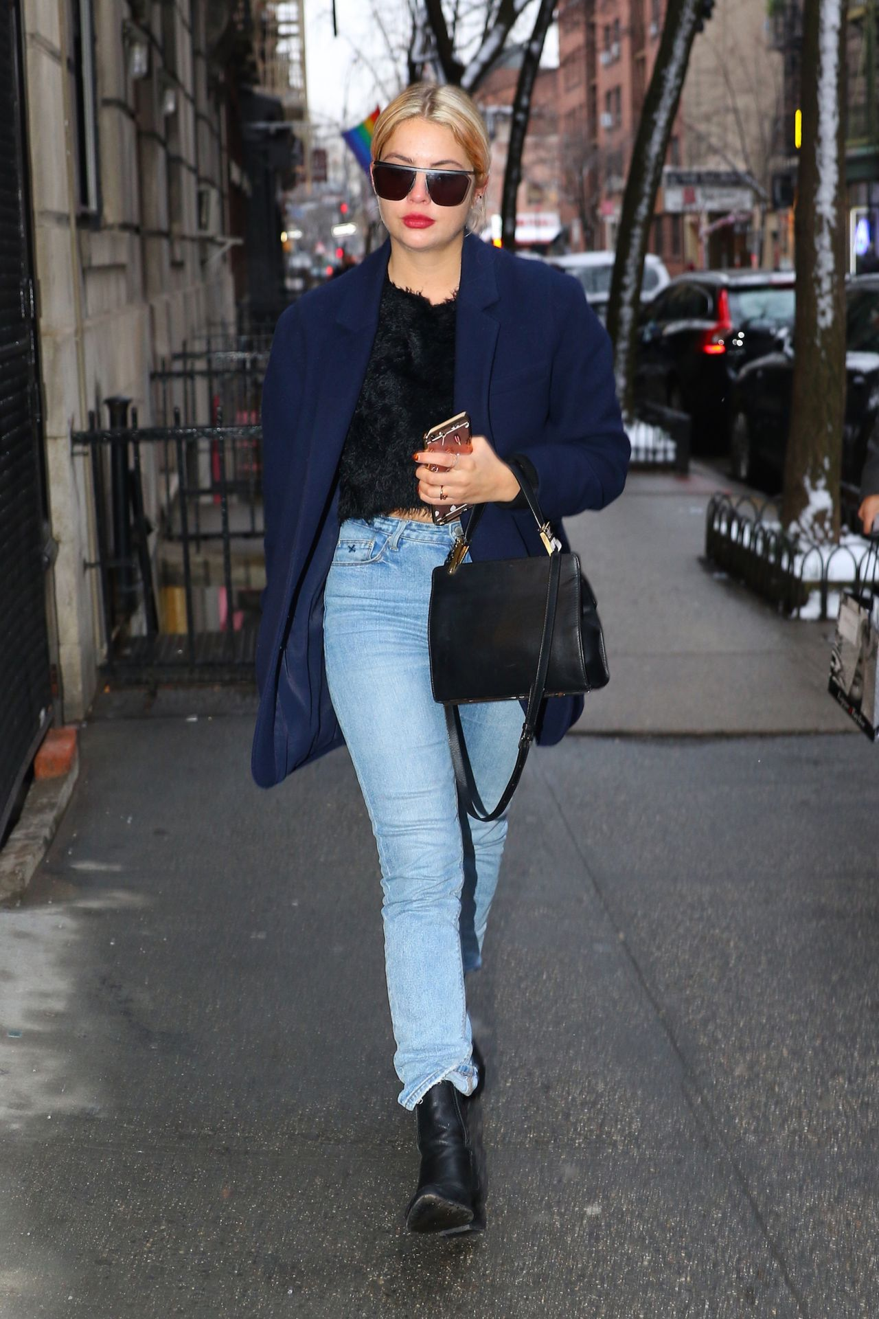 Discussion on this topic: Lea michele arrives at a hair salon in west hollywood, lindsay-lohan-is-apparently-going-jewish-for/