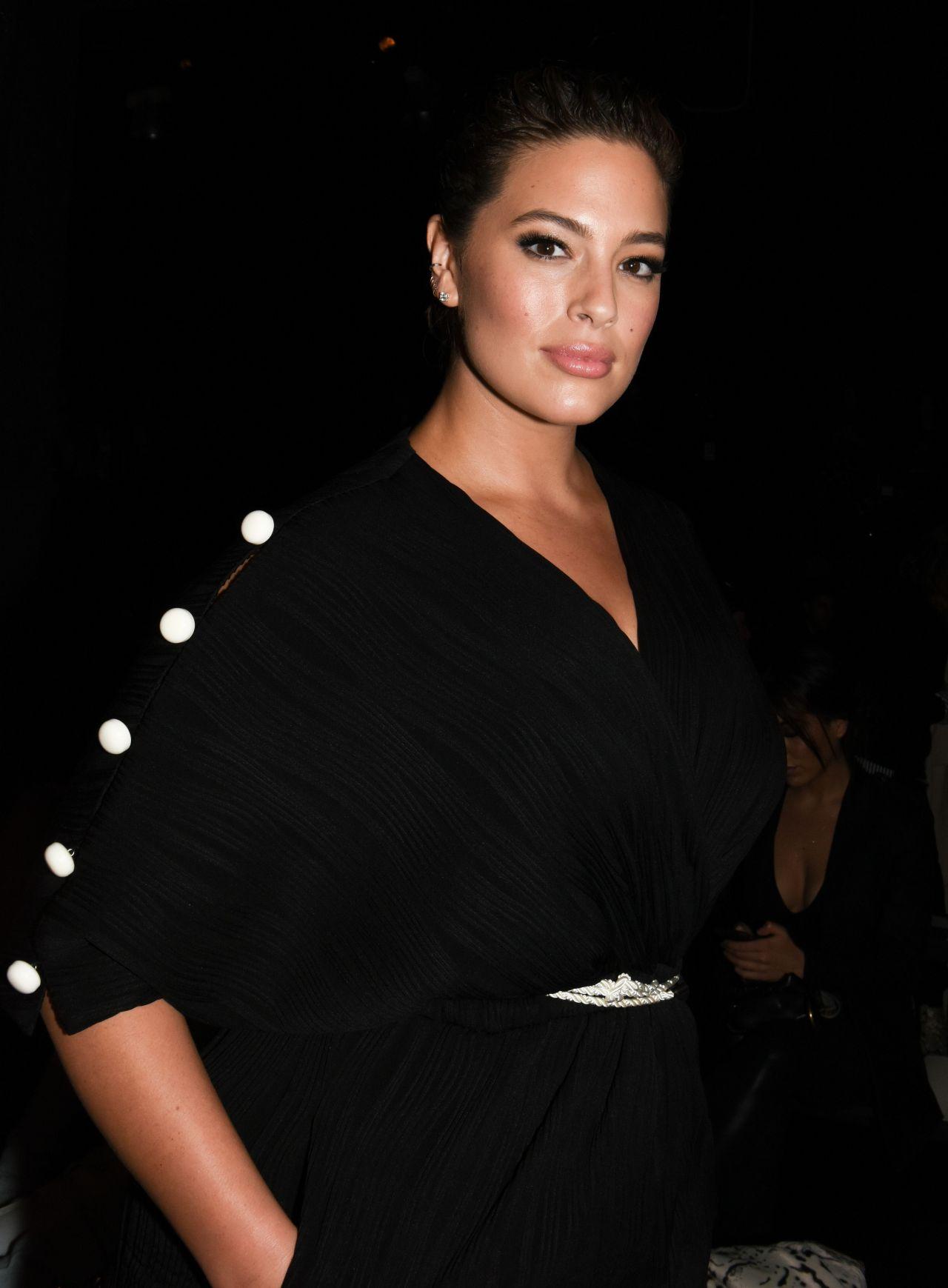 Ashley Graham Prabal Gurung Fashion Show In New York 2