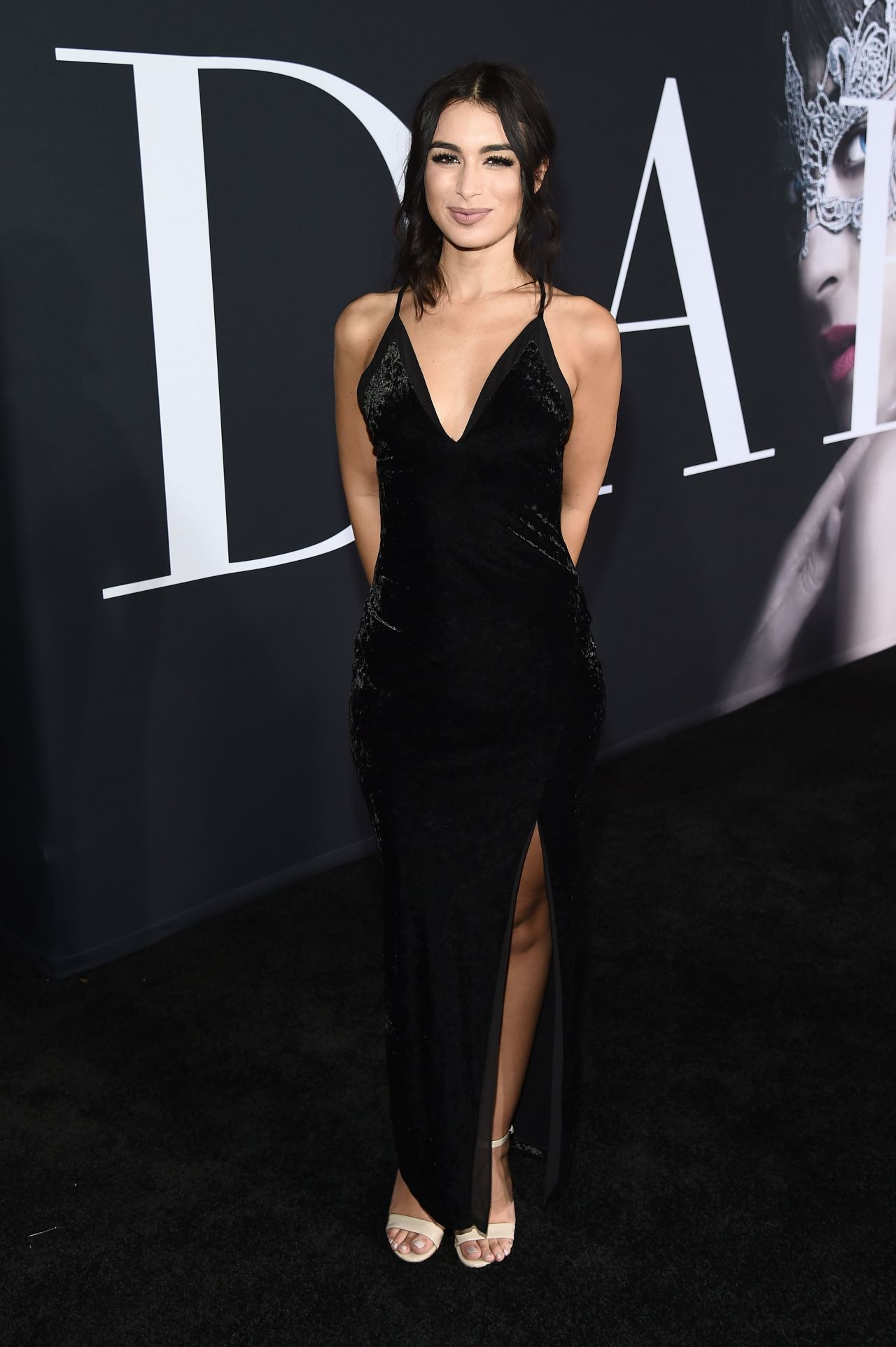 Ashley iaconetti fifty shades darker premiere in los angeles naked (37 pics)