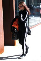 Bella Hadid - Arrives at Gigi Hadid