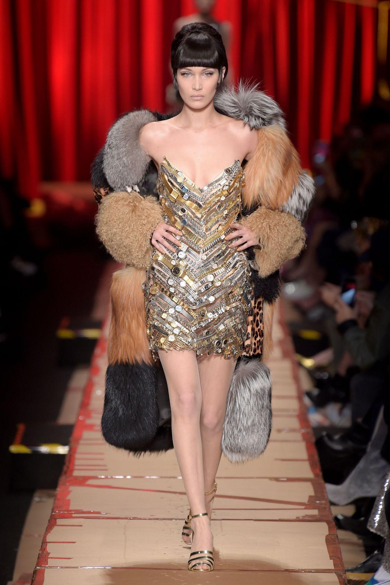 Bella Hadid Hit The Catwalk For Moschino Milan Fashion