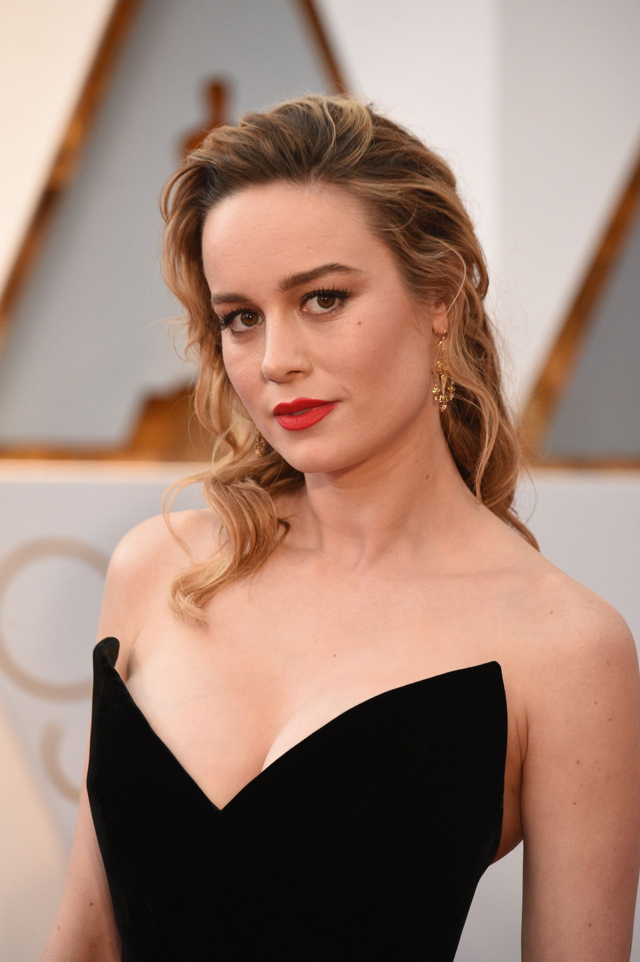 Brie Larson  Oscars 2017 Red Carpet In Hollywood-6119