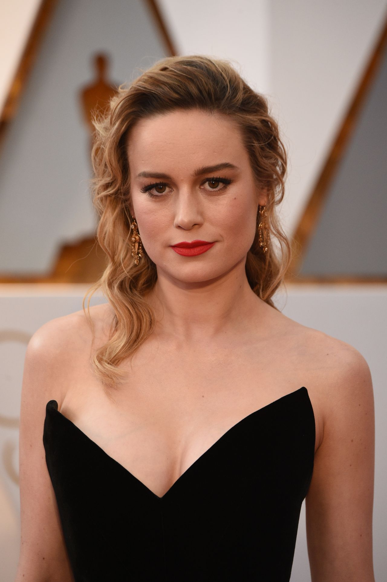 Brie Larson Image To U