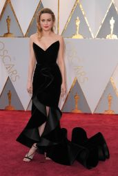 Brie Larson – Oscars 2017 Red Carpet in Hollywood