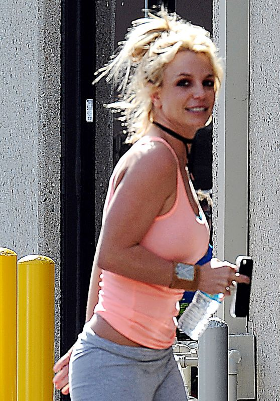 Britney Spears - Arriving & Leaving a Dance Studio in Los Angeles 2/25/ 2017