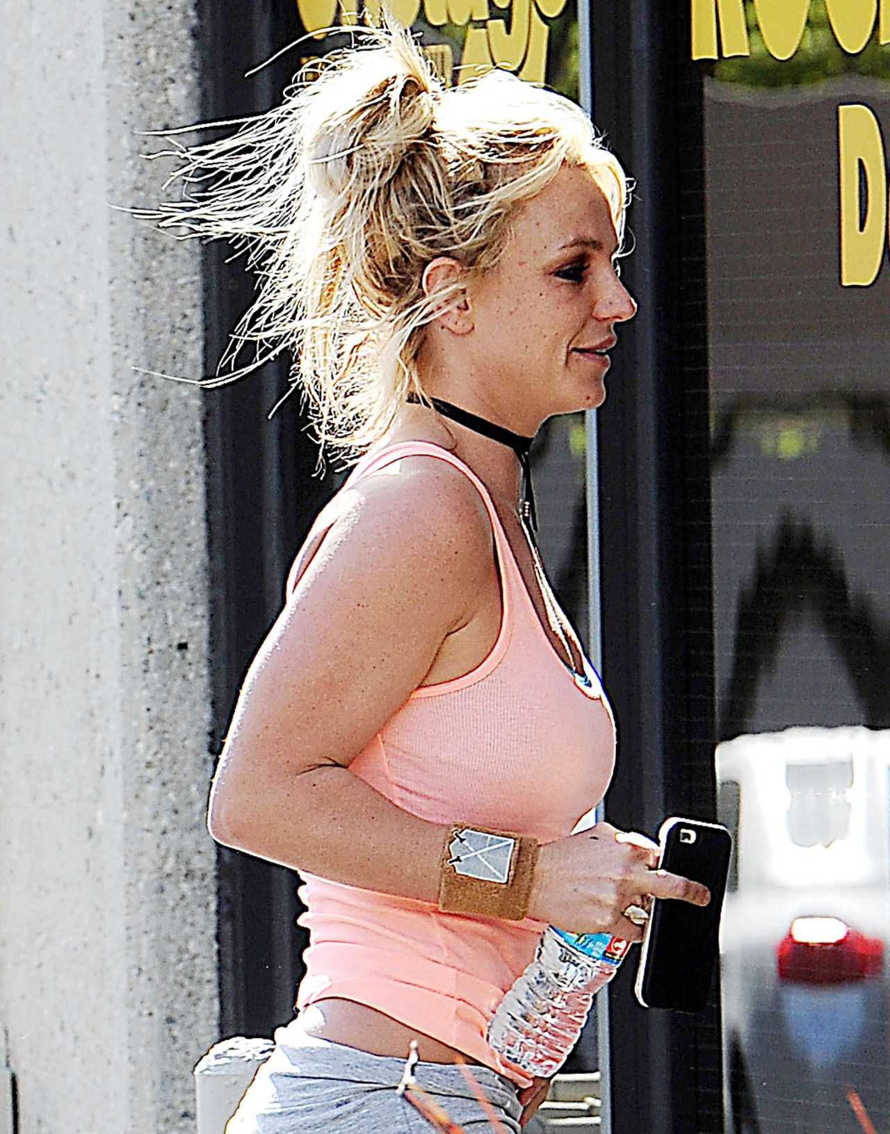 Reese Witherspoon Displays Slim Frame High Waisted Jeans Gabs Phone P ering Nail Salon additionally  as well Eleven Inane And Insulting Anti Abortion Arguments And How I Shed The Shamers also Hair Curlers besides Olivia Palermo. on oscar hair and nail salon