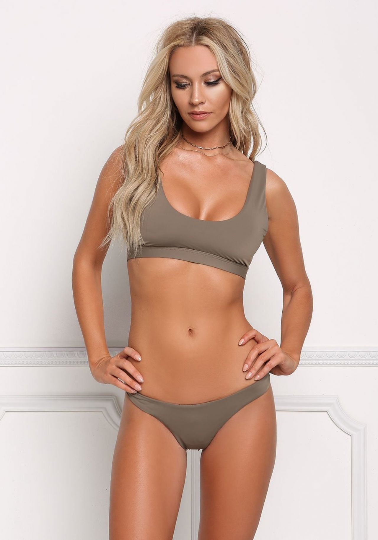 Cleavage Bryana Holly naked (37 photo), Tits, Cleavage, Selfie, legs 2019