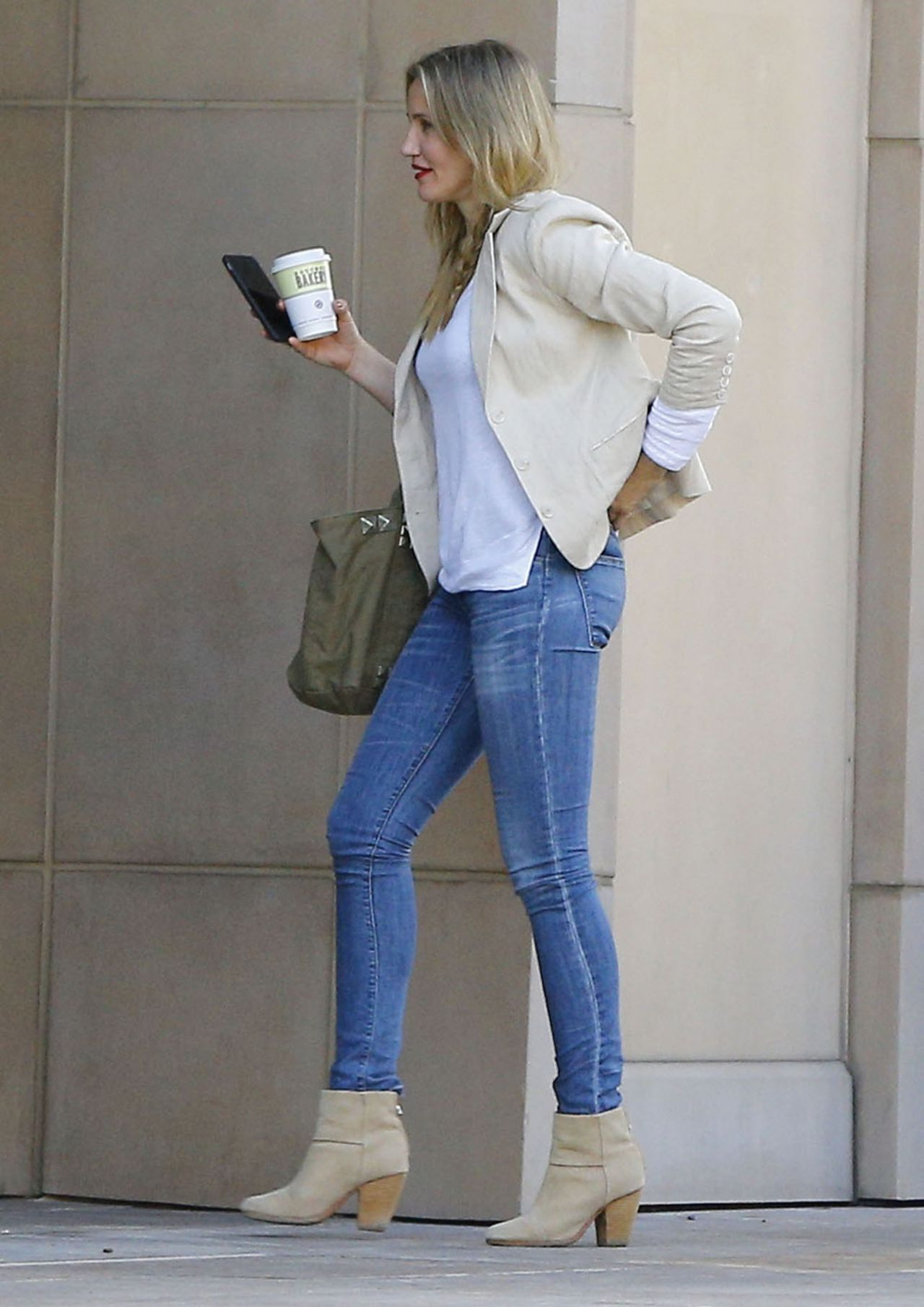 Cameron Diaz Casual Style Out In Beverly Hills 2 15 2017