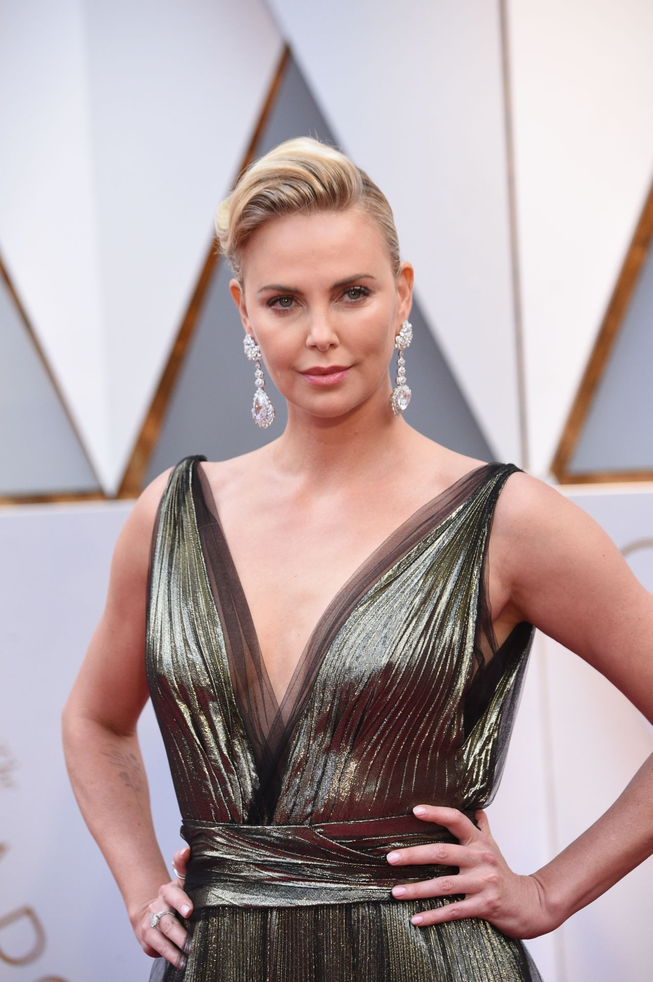 Charlize Theron – Oscars 2017 Red Carpet in Hollywood Charlize Theron