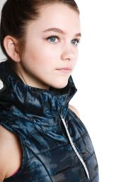 Chloe East -