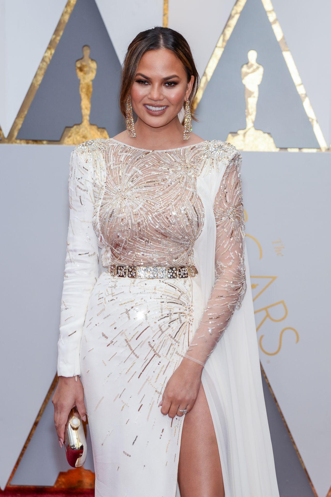 Chrissy Teigen Oscars 2017 Red Carpet In Hollywood