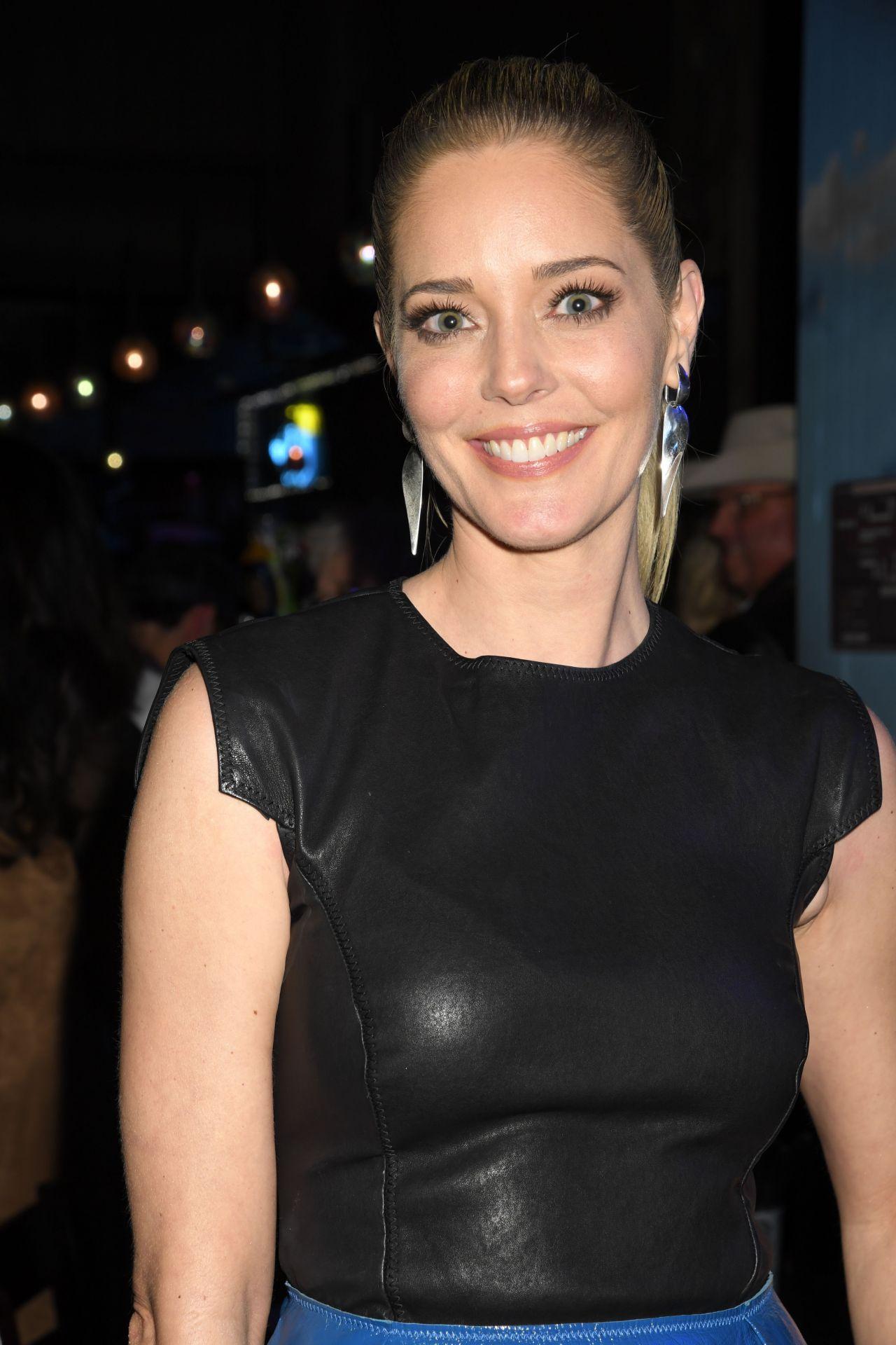 Kristen stewart and taylor lautner dating 2011 6