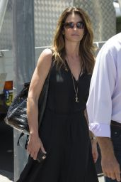 Cindy Crawford - Shopping in Sydney 2/9/ 2017