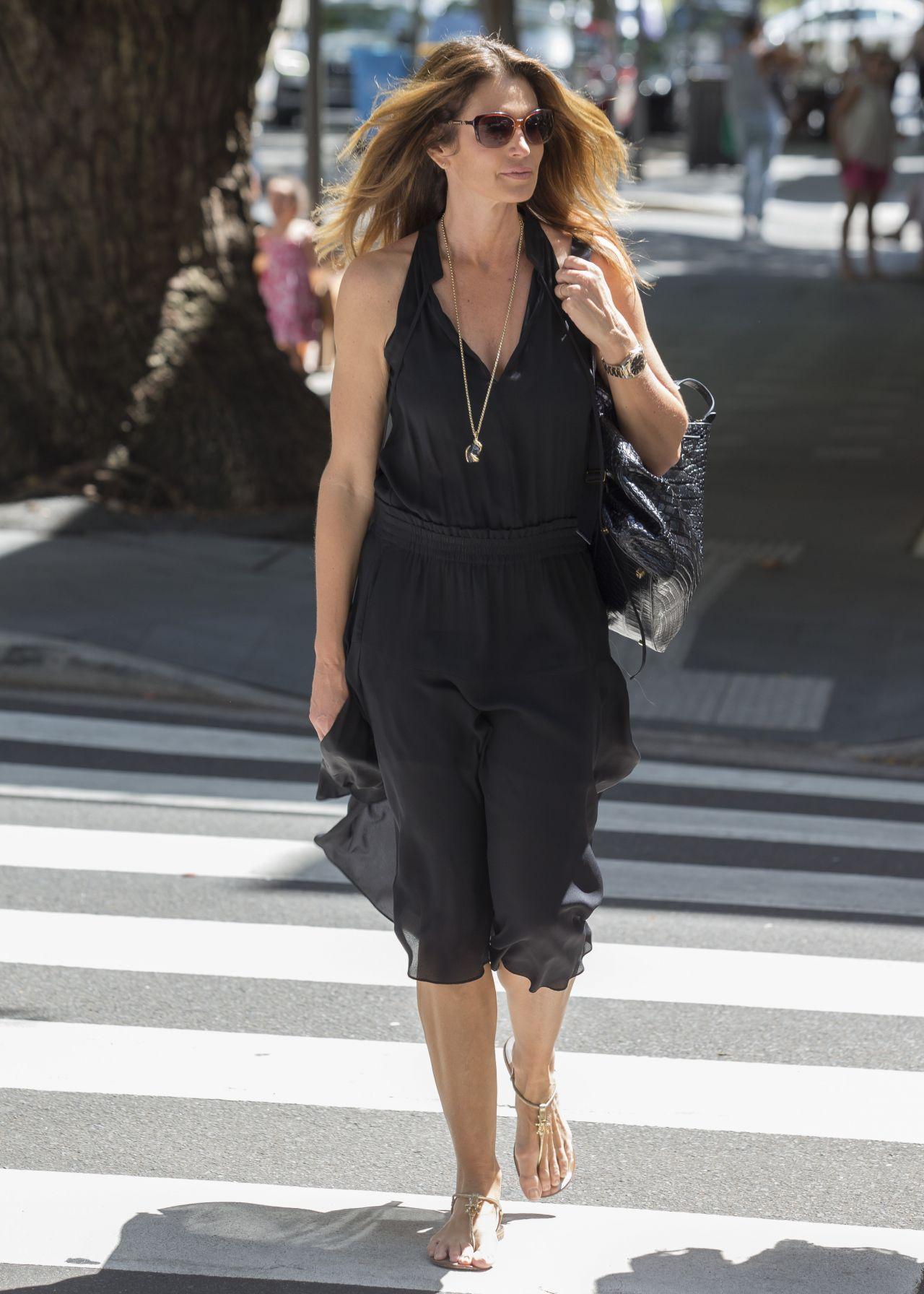 Cindy Crawford Shopping In Sydney 2 9 2017