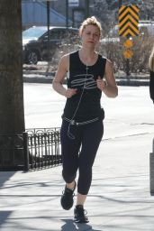 Claire Danes -Taking Advantage of a Unseasonably Warm Day to go for aJjog in NY 2/27/ 2017