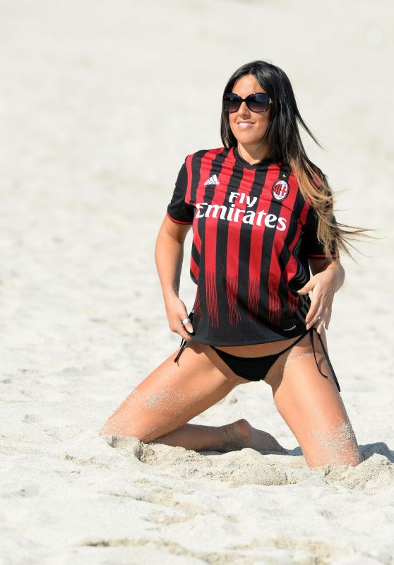 Claudia Romani Wearing Her AC Milan Jersey - Beach in Miami, January 2017