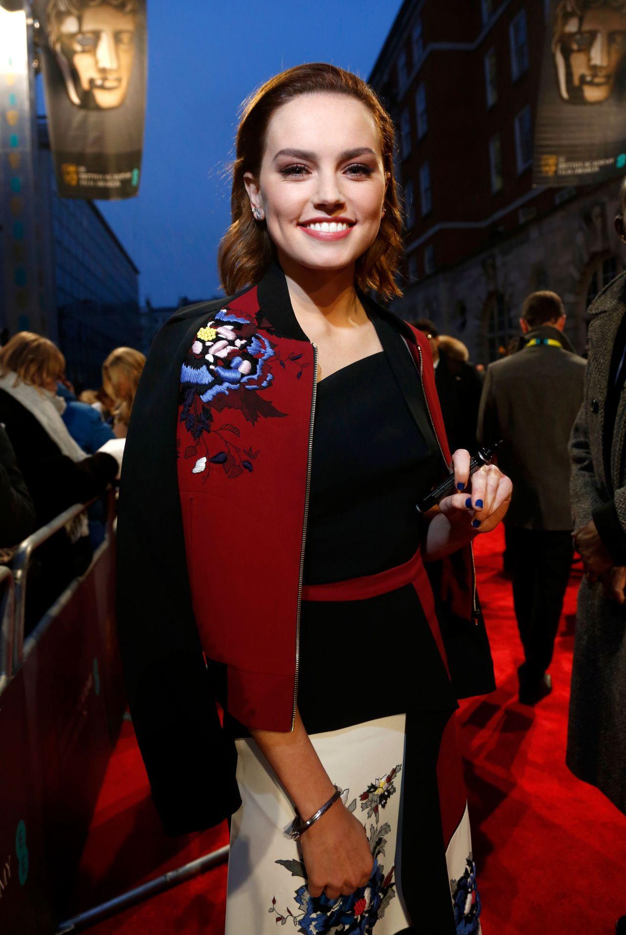 Daisy Ridley At Bafta Awards In London Uk 2 12 2017