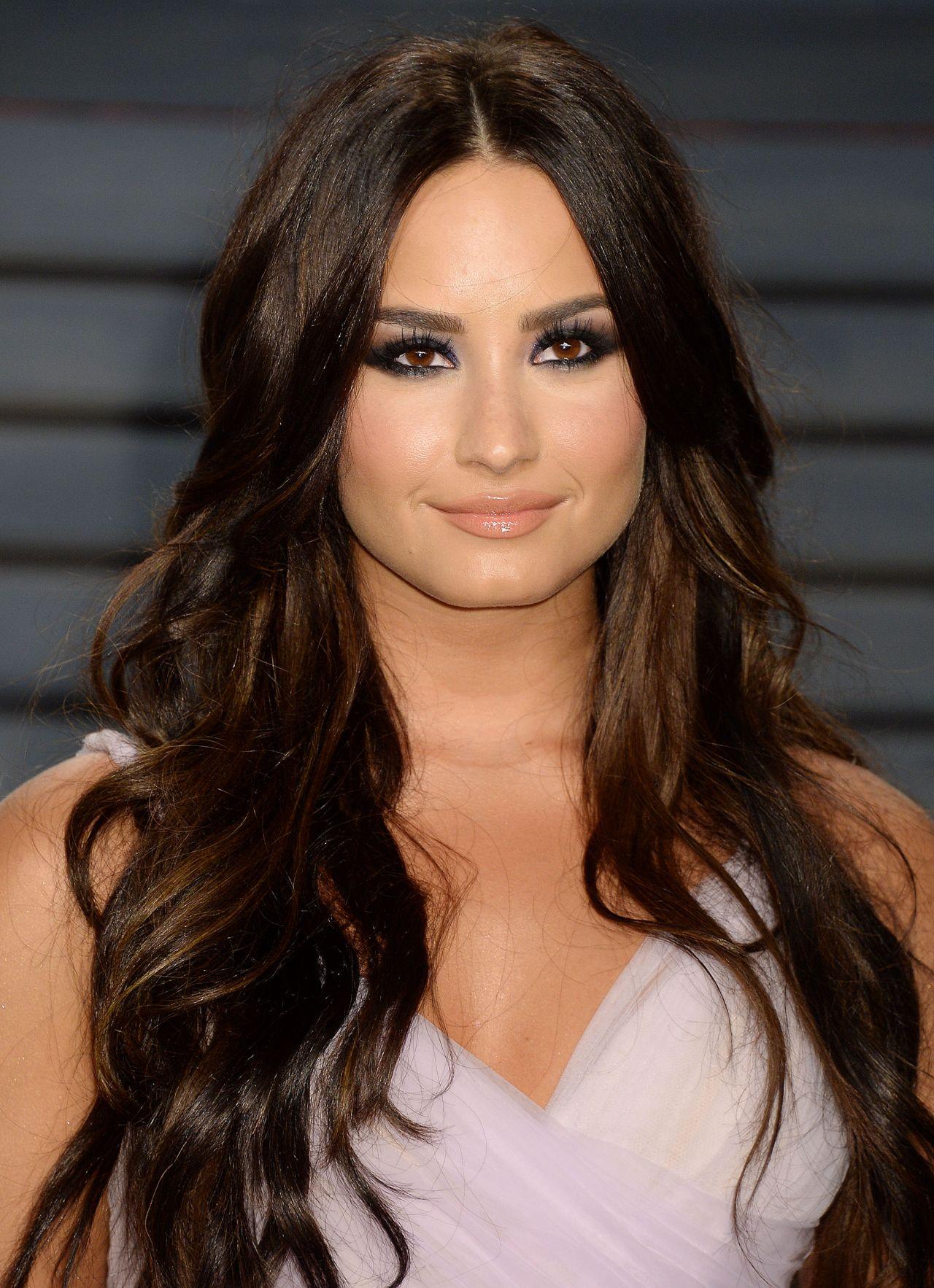 Demi Lovato At Vanity Fair Oscar 2017 Party In Los Angeles-2445