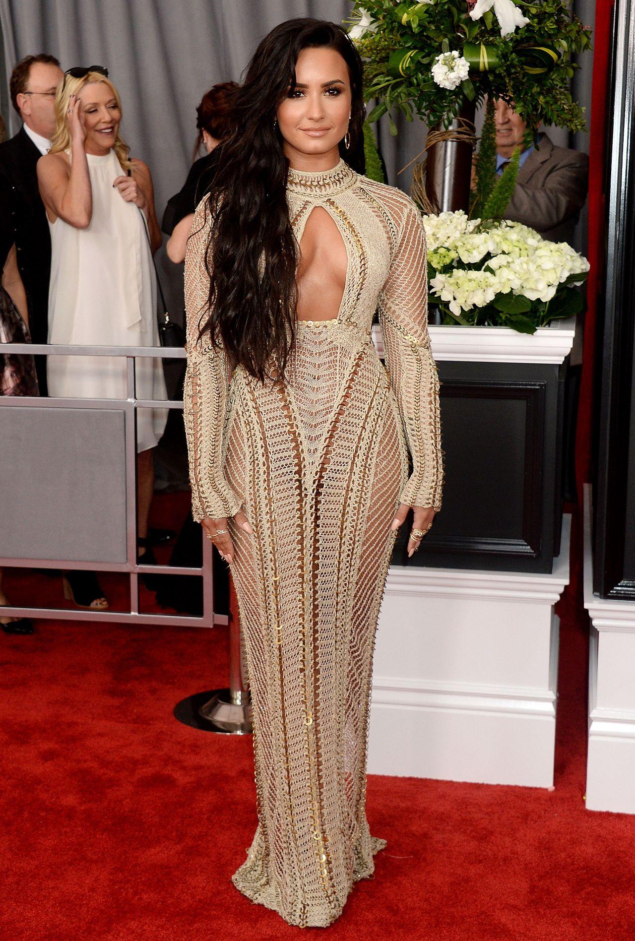 Rihanna on Red Carpet - GRAMMY Awards in Los Angeles 2/12