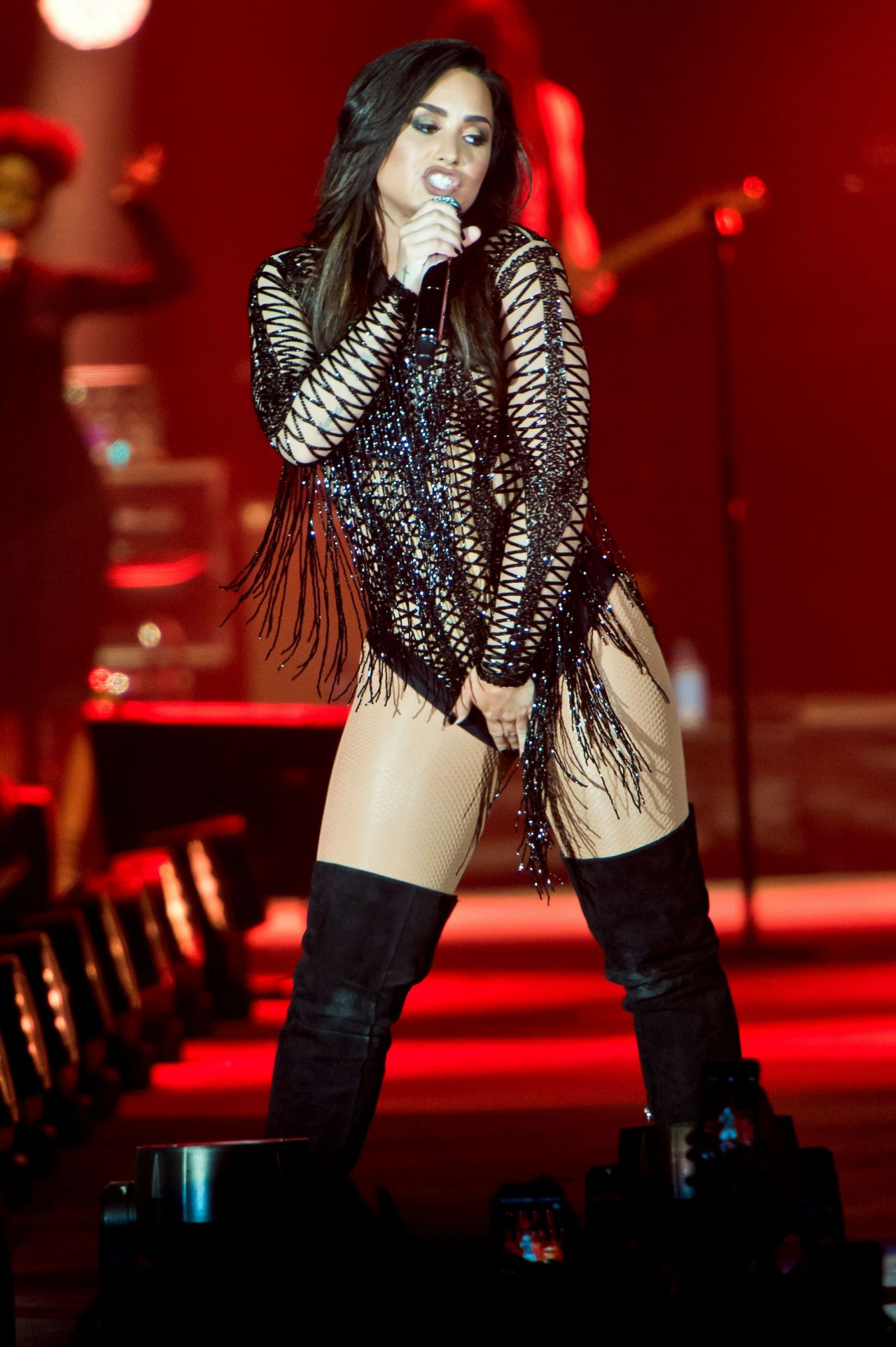 Demi Lovato  Performing at Redfestdxb Festival in Dubai 2 - Demi Lovato Hairstyles
