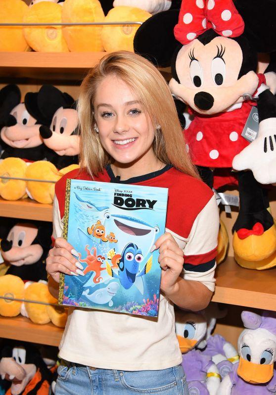 DeVore Ledridge - Disney Reads Day at the Disney Store in Glendale 2/4/ 2017